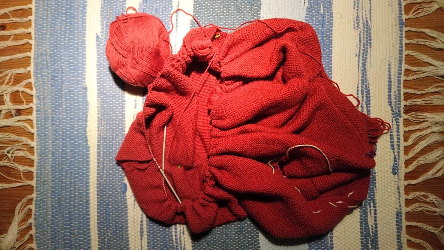 Hvor lang tid tar det å strikke en genser?